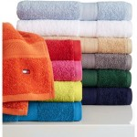 "Tommy Hilfiger ""All American"" Bath Towels Just $3.99 (Reg. $14)"